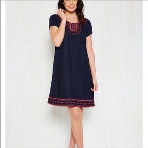 Modcloth navy embroidered dress w pockets, size XL